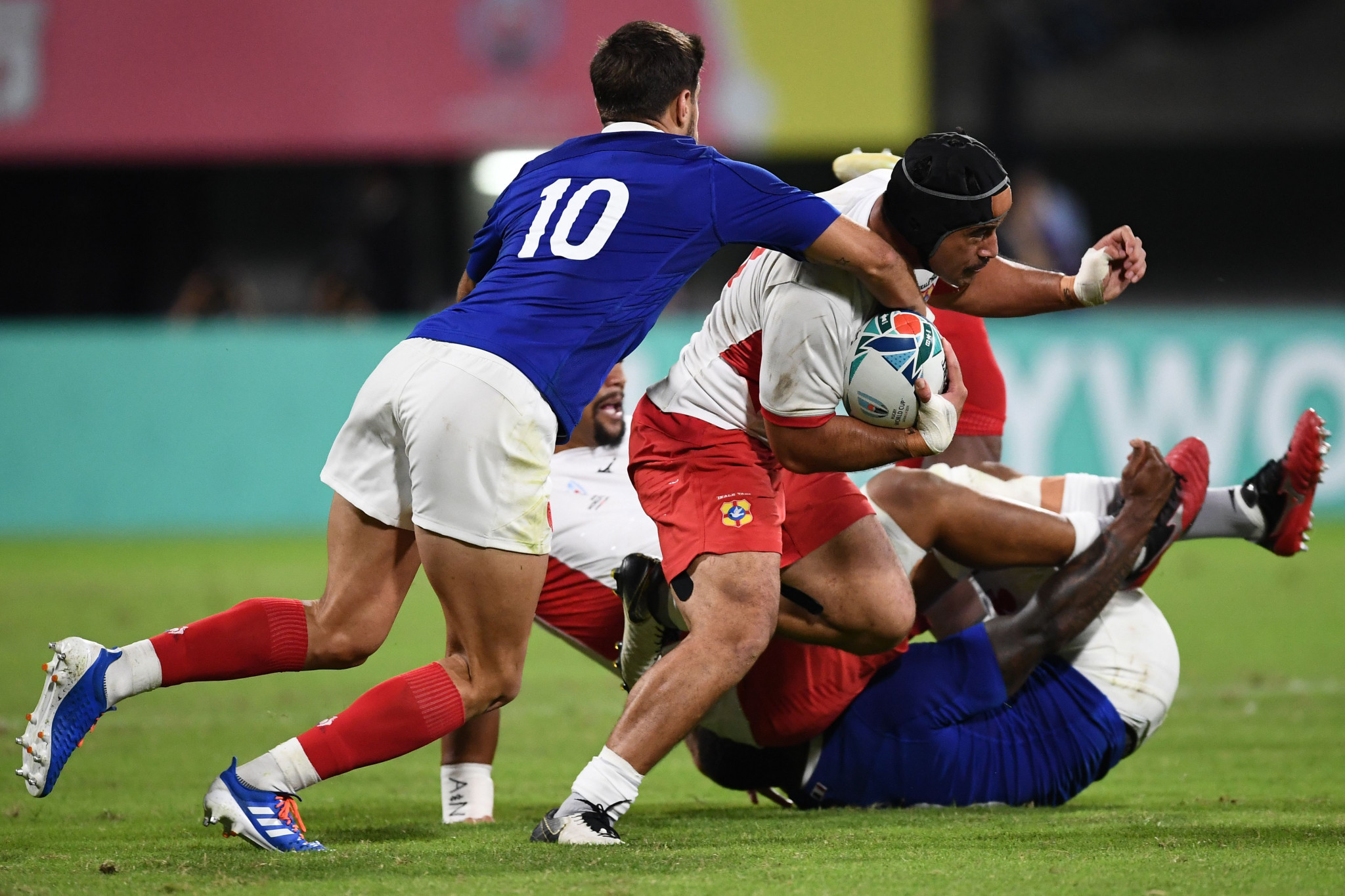 Mali Hingano scored a second Tongan try to bring his team further back into the contest ©Getty Images