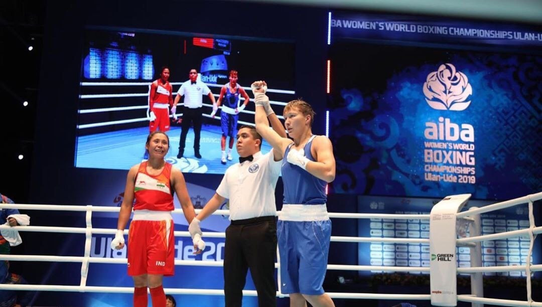 Shadrina dominated against her opponent, triumphing 5-0 ©AIBA