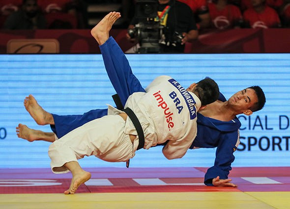 Allan Kuwabara defeated Brazilian compatriot Eric Takabatake to claim a maiden International Judo Federation Grand Slam title in Brasilia ©IJF