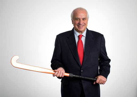 Narinder Batra replaces former FIH head Leandro Negre as President of the Hockey Foundation ©FIH