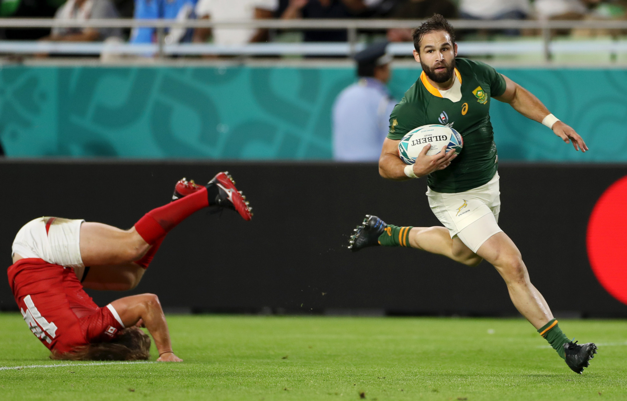 He's not even a starting halfback, but the brilliant Cobus Reinach still ran in a hat-trick of tries ©Getty Images