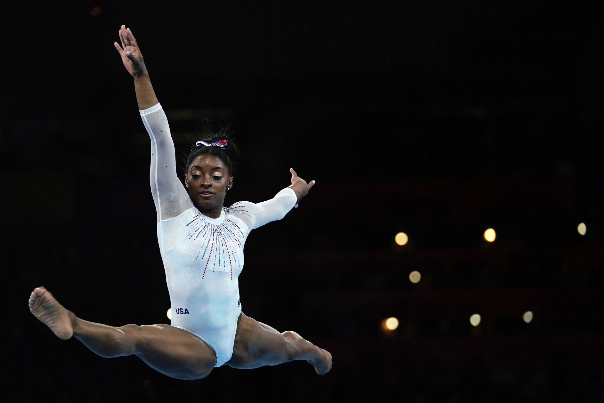 Impeccable Biles claims record fifth all-around title in Stuttgart