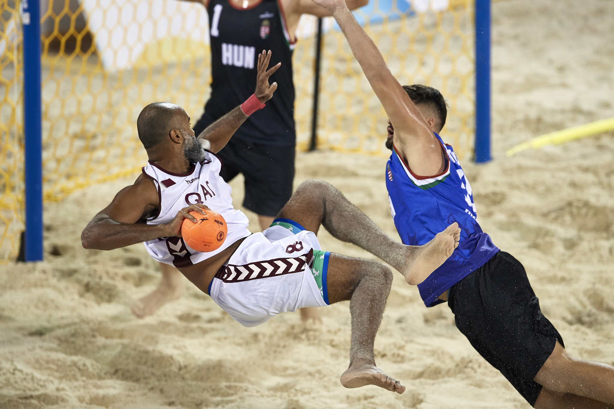Hosts Qatar enjoy handball double at ANOC World Beach Games