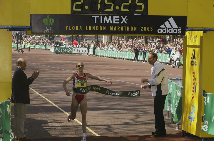 Sixteen years on, Paula Radcliffe's world marathon record has been beaten - and she was at the Chicago Marathon finish line today to congratulate Kenya's winner Brigid Kosgei ©Getty Images