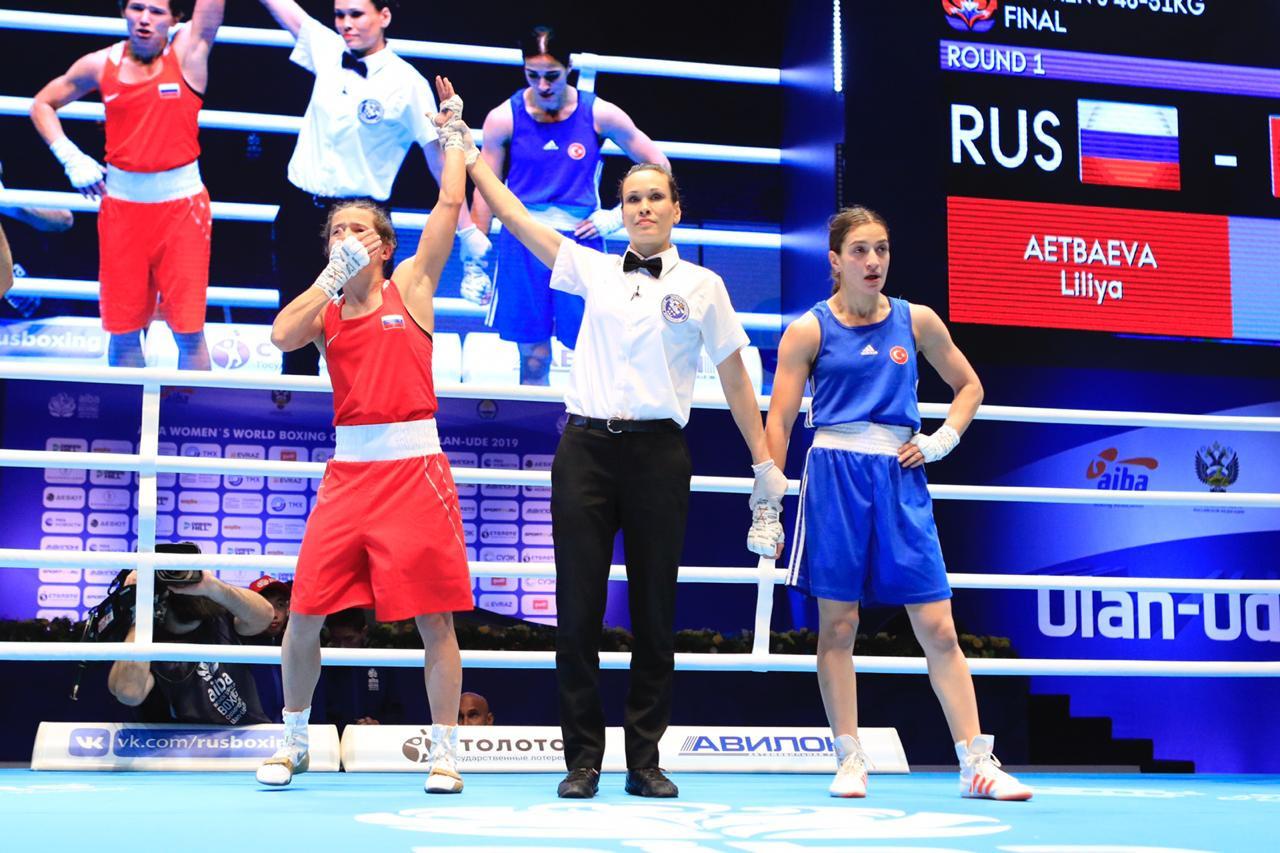 Liliya Aetbaeva then claimed Russia's second, beating Buse Naz Çakıroğlu of Turkey 4-1 ©AIBA