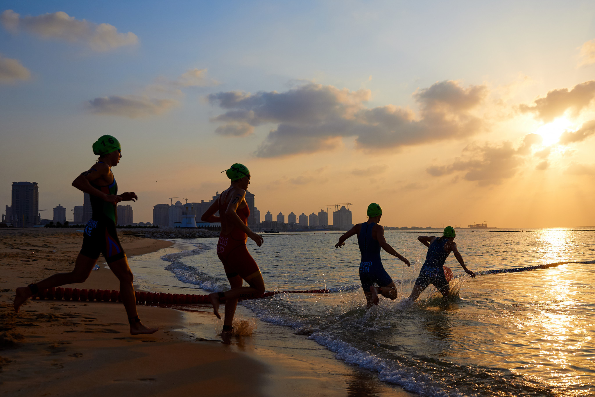 There was an early start for the men's and women's aquathlon races ©ANOC