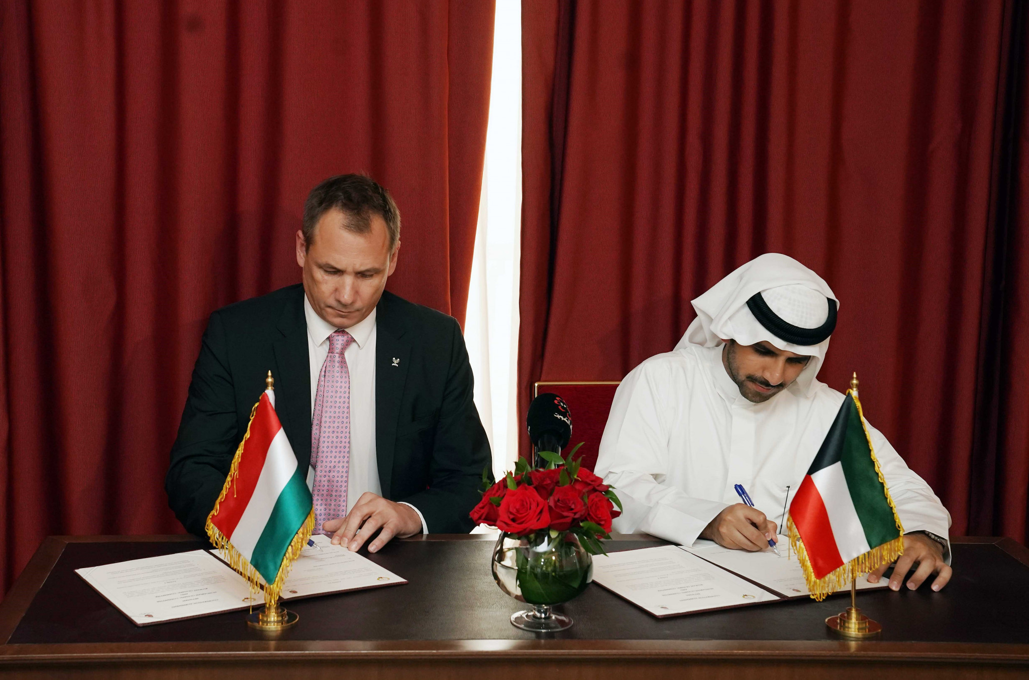 Hungarian and Kuwait Olympic Committees sign MoU in Doha