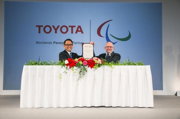 Ex IPC President Sir Philip Craven, right, has joined the board of Paralympic partners Toyota ©IPC