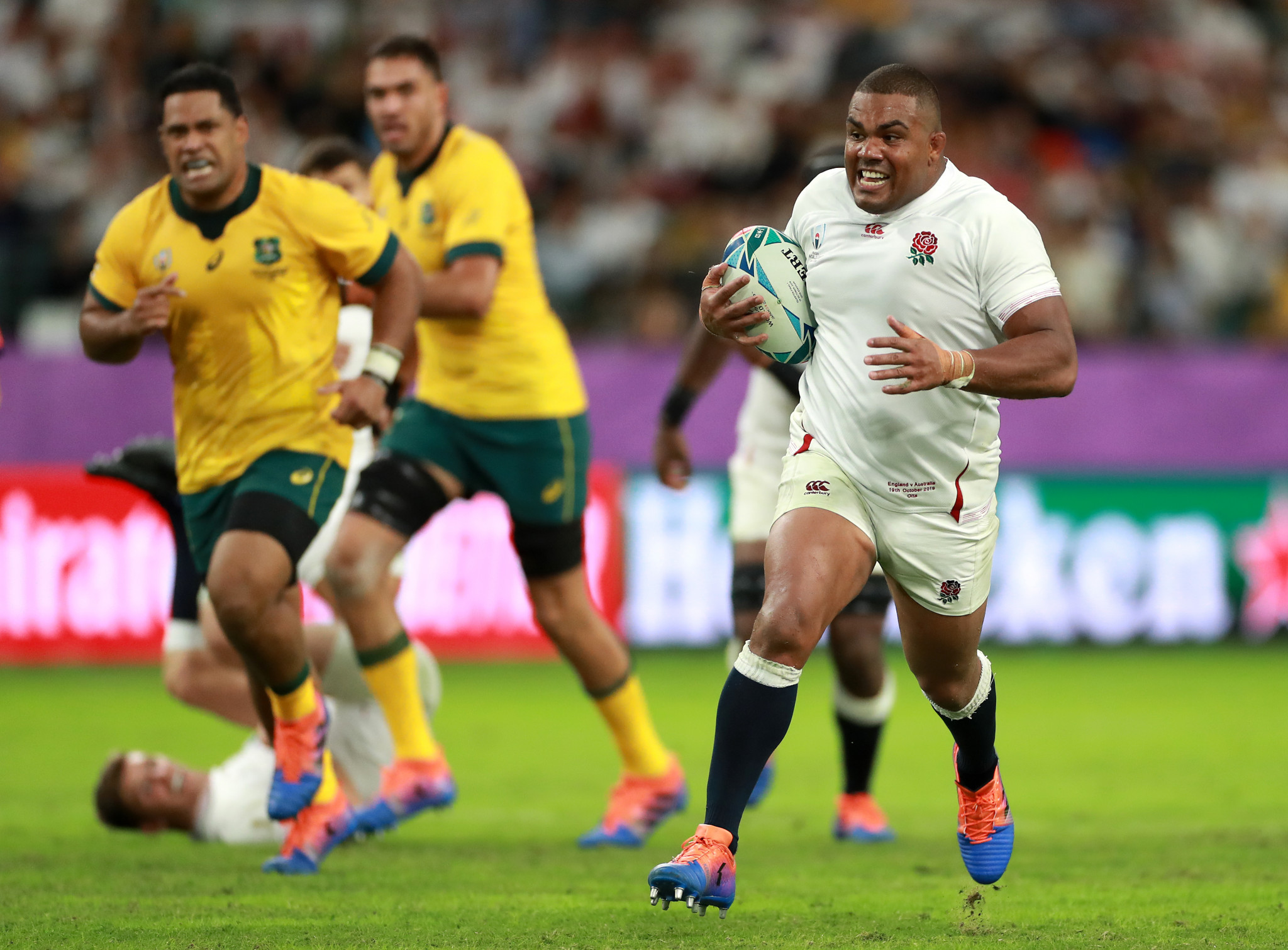 Kyle Sinckler was an unlikely try scorer for England ©Getty Images