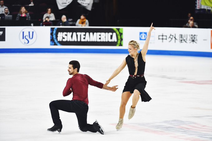 Madison Hubbell and Zachary Donohue of the United States won the ice pairs event at Skate America in Las Vegas, their 11th consecutive title in the event ©US Figure Skating