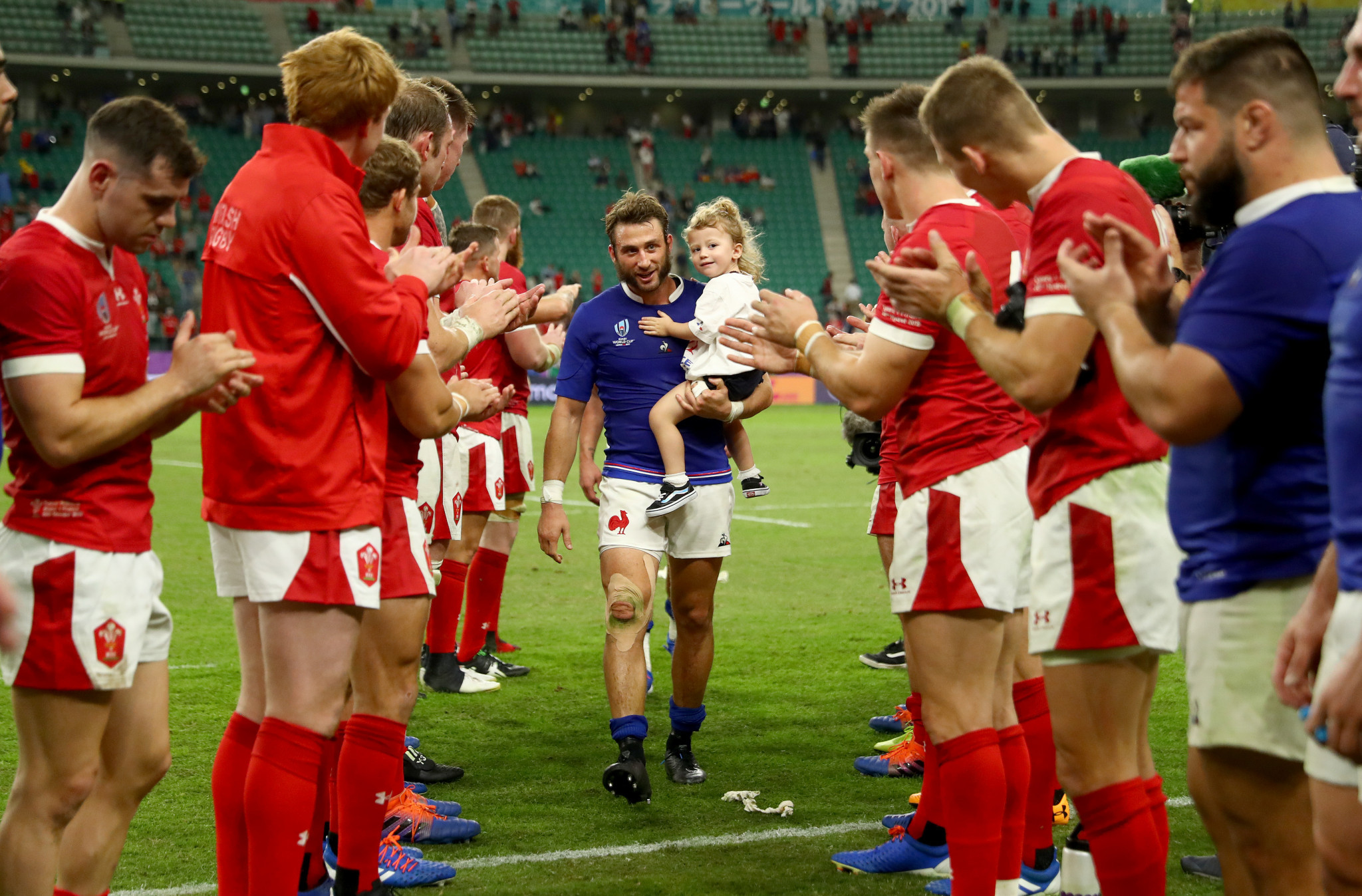 With Wales narrowly winning 20-19, the victors applauded the French team off the pitch ©Getty Images