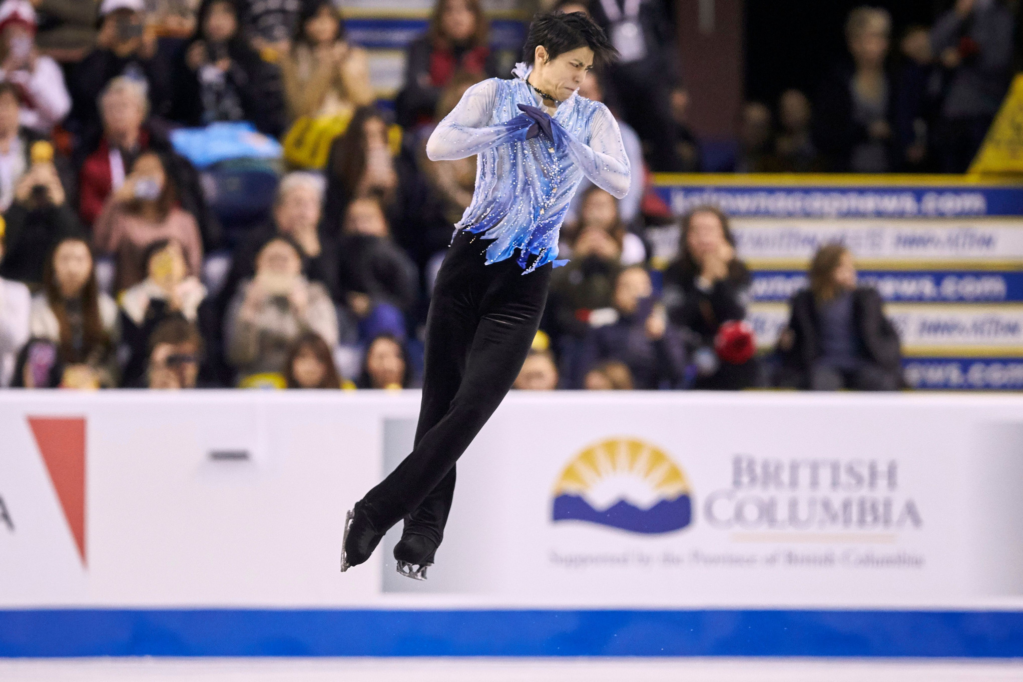 Hanyu tops short programme to take lead at Skate Canada
