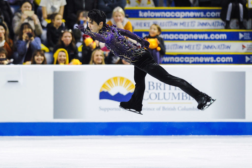 "Hanyu's ""god-like"" personal best performance produces clear win at Skate Canada"