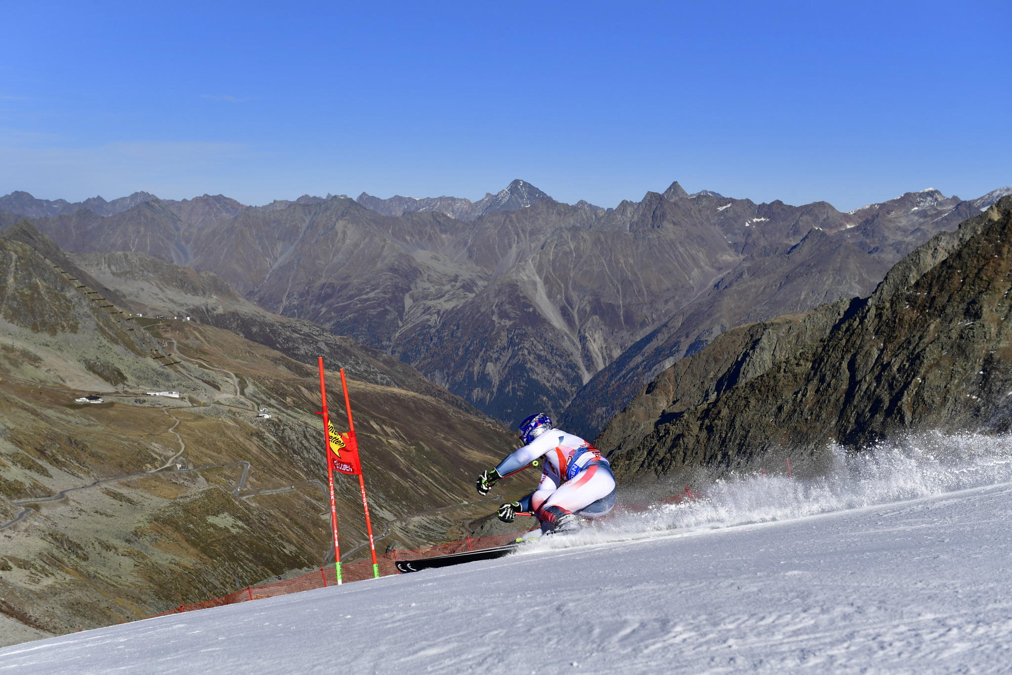 Pinturault wins season-opening giant slalom at FIS Alpine Skiing World Cup