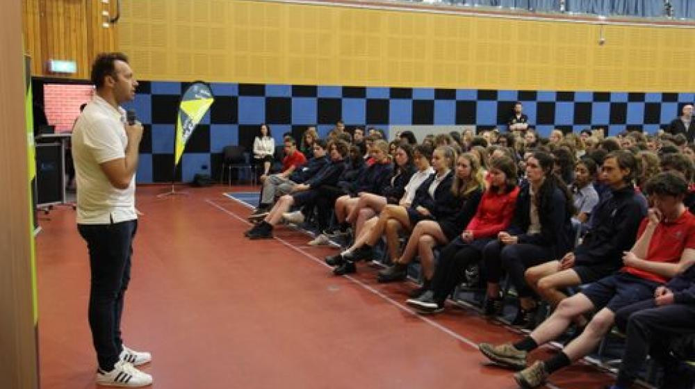Thorpe visits Hobart school as part of AOC Olympics Unleashed initiative