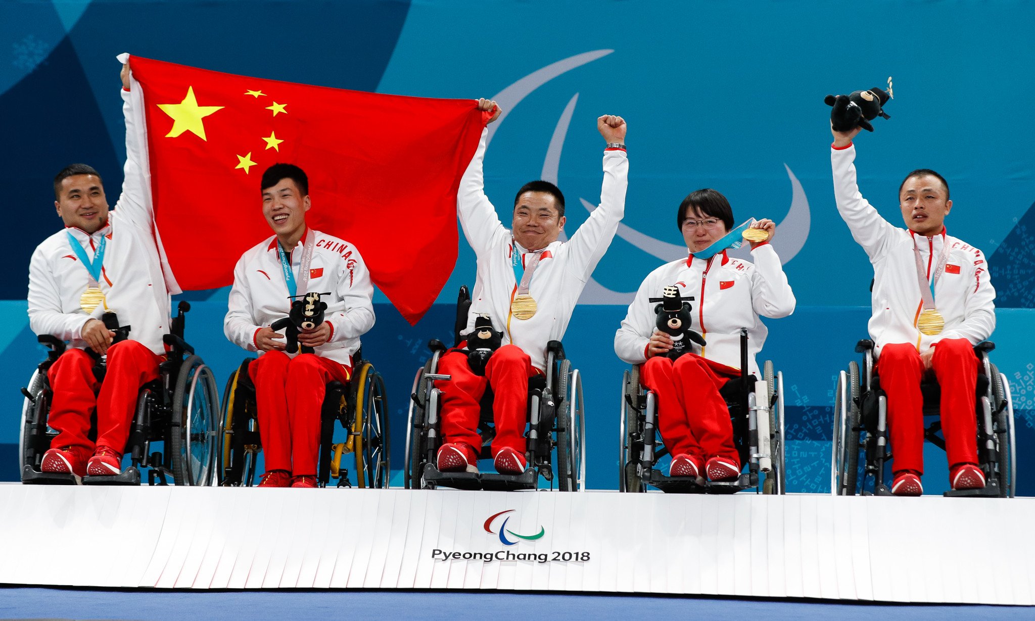 World Curling Federation President praises Chinese wheelchair curling team after IPC award
