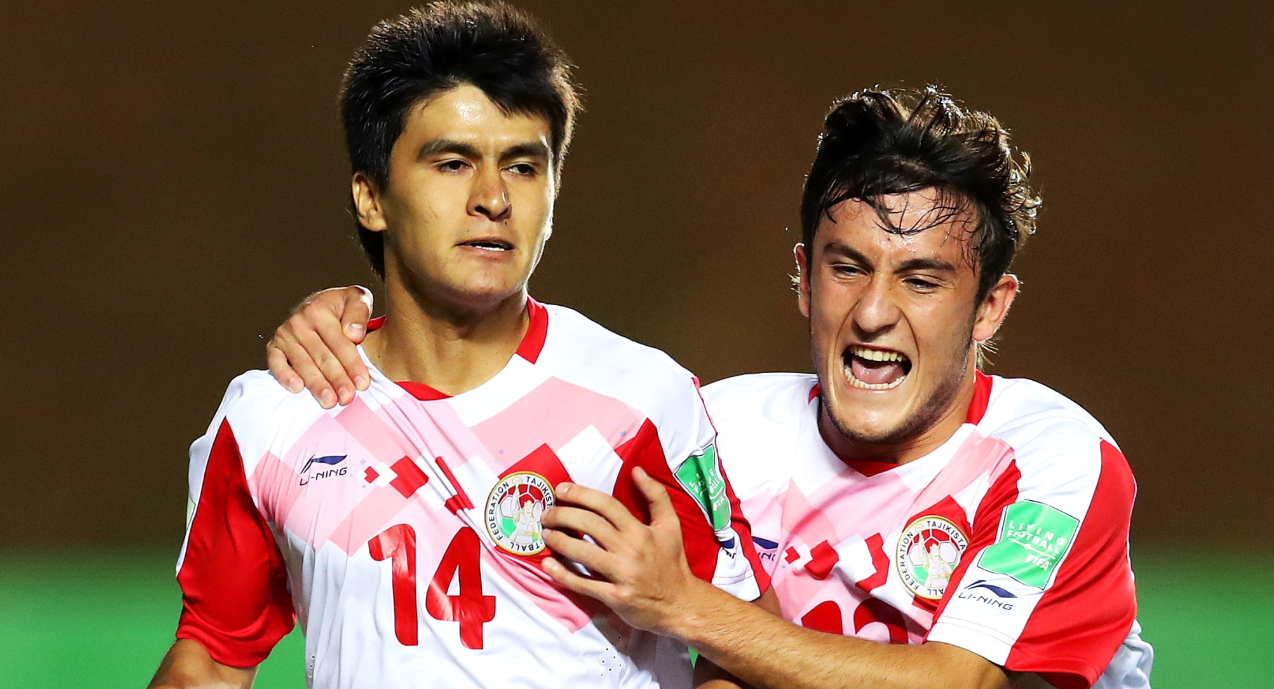 Tajikstan on their way to a memorable win over Cameroon ©FIFA