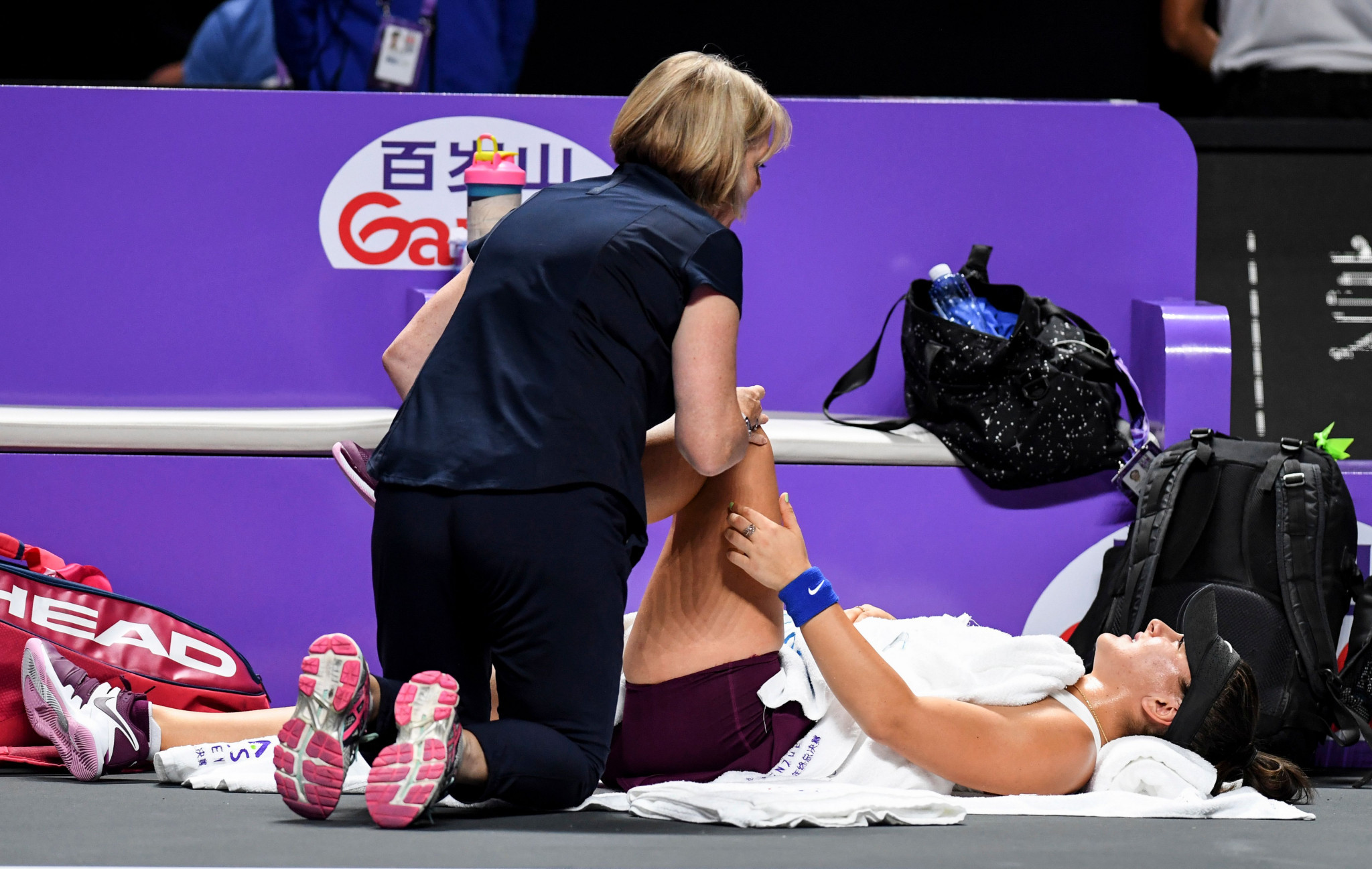 Easy win for Pliskova as Andreescu succumbs to injury at WTA Finals