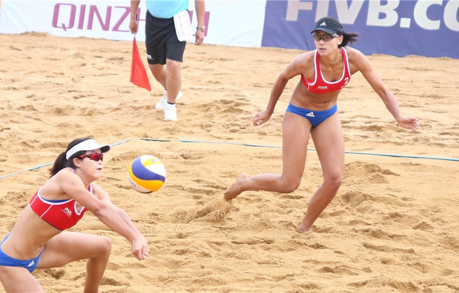 Wang Fan and Xia Xinyi of China reached the round of 16 at the Beach World Tour in Qinzhou ©FIVB