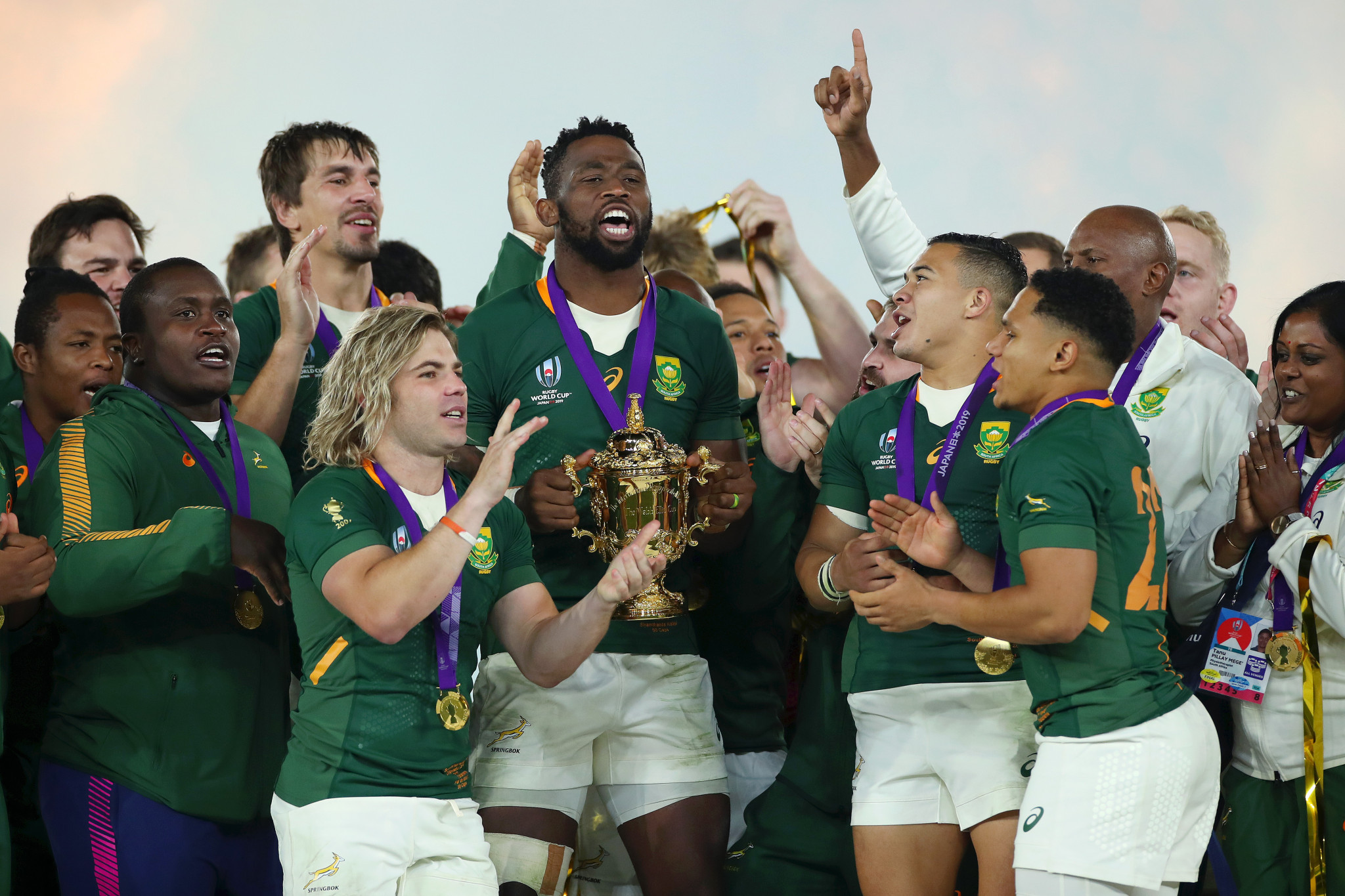 South Africa captain Siya Kolisi lifted his country's third Rugby World Cup trophy ©Getty Images