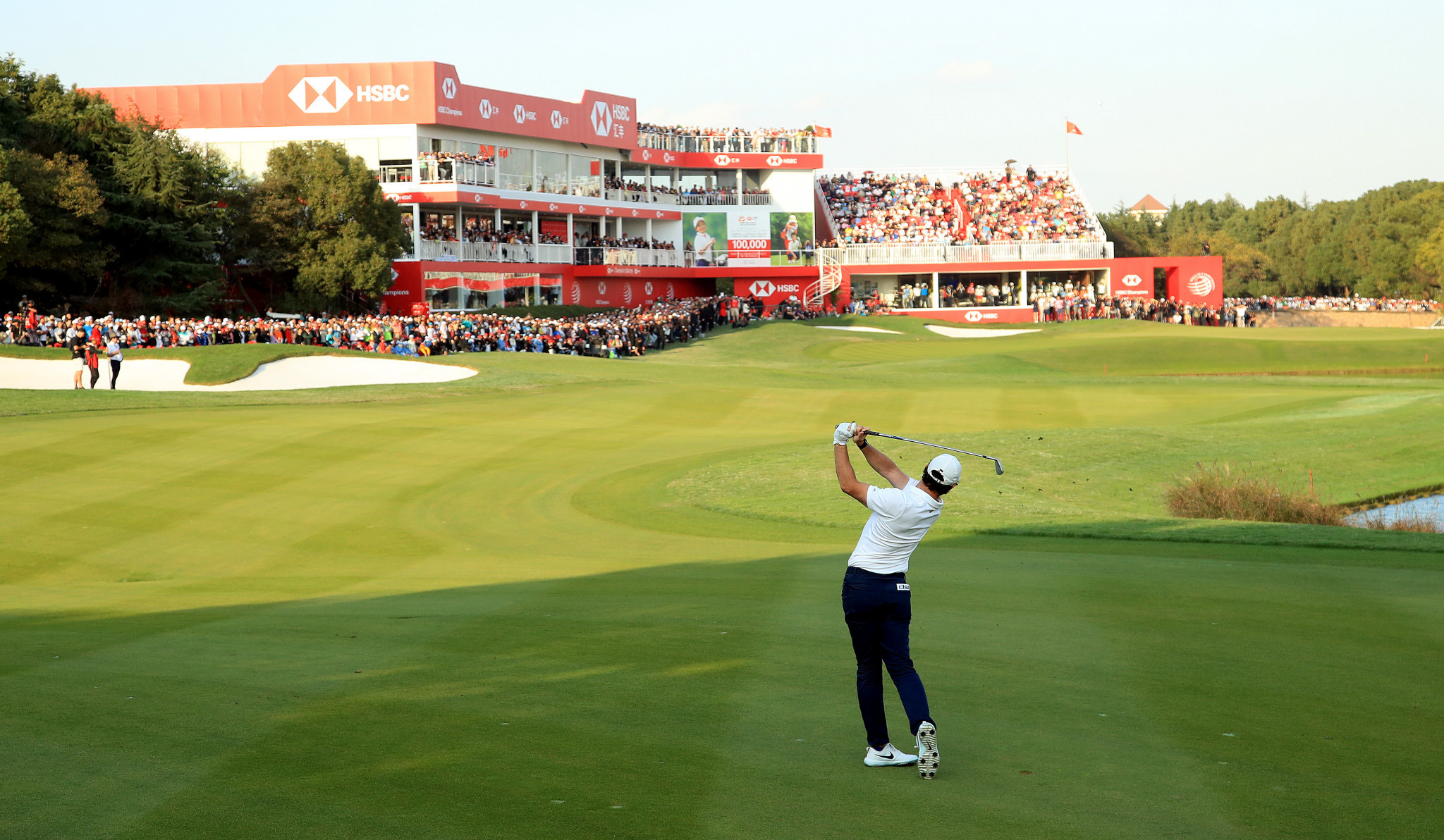 Rory McIlroy birdied the first play-off hole to secure victory in Shanghai ©Getty Images
