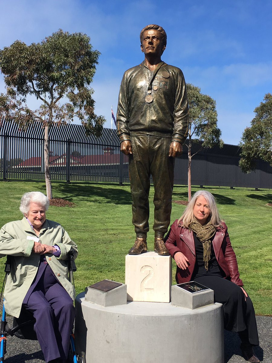 Members of Peter Norman's family, including his mother Thelma and daughter Janita, attended the official unveiling of the statue outside Lakeside Stadium in Melbourne ©Twitter
