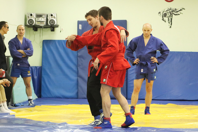 Sambists are put through their paces ahead of a blind sambo demonstration in Cheongju ©FIAS