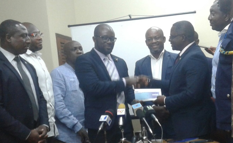 A financial incentive was presented to the GFA ©GOC