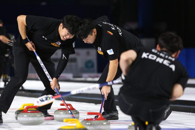 South Korea dethroned defending men's champions Japan ©WCF