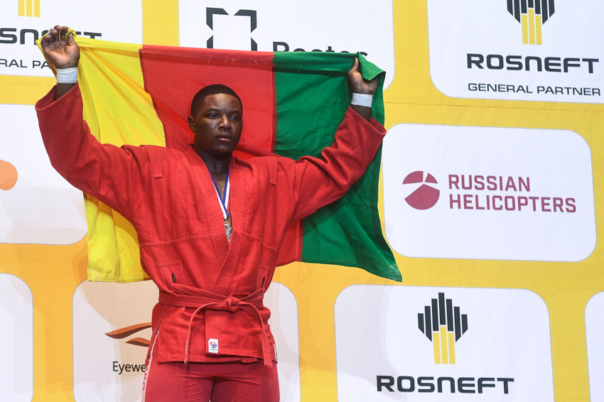 Maxwel Djantou Nana hopes to be an ambassador for African sambo after winning silver for Cameroon in the combat over-100kg World Championship final ©FIAS