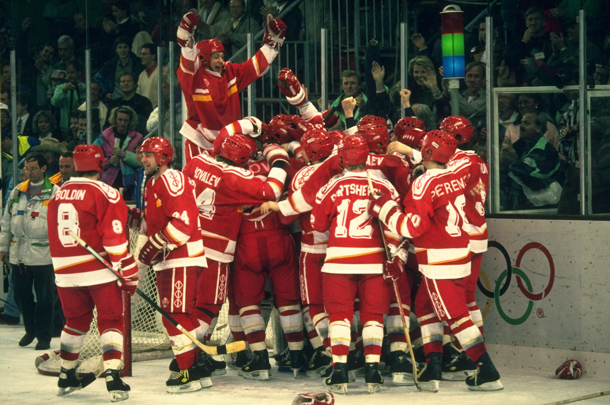 The Unified Team ice hockey side won Olympic gold at Albertville 1992 ©Getty Images