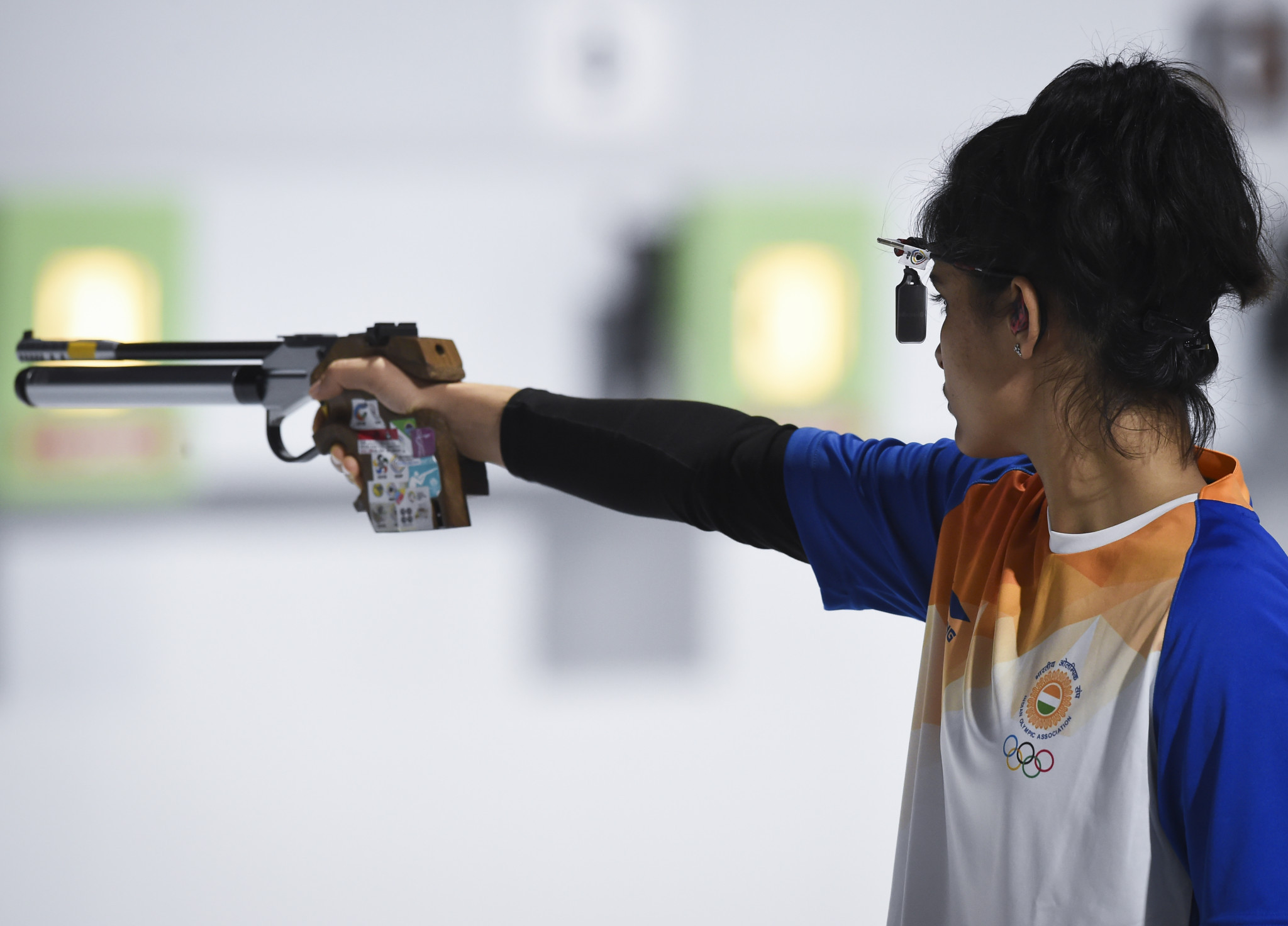 Manu Bhaker helped India to gold in the 10m air pistol mixed team ©Getty Images