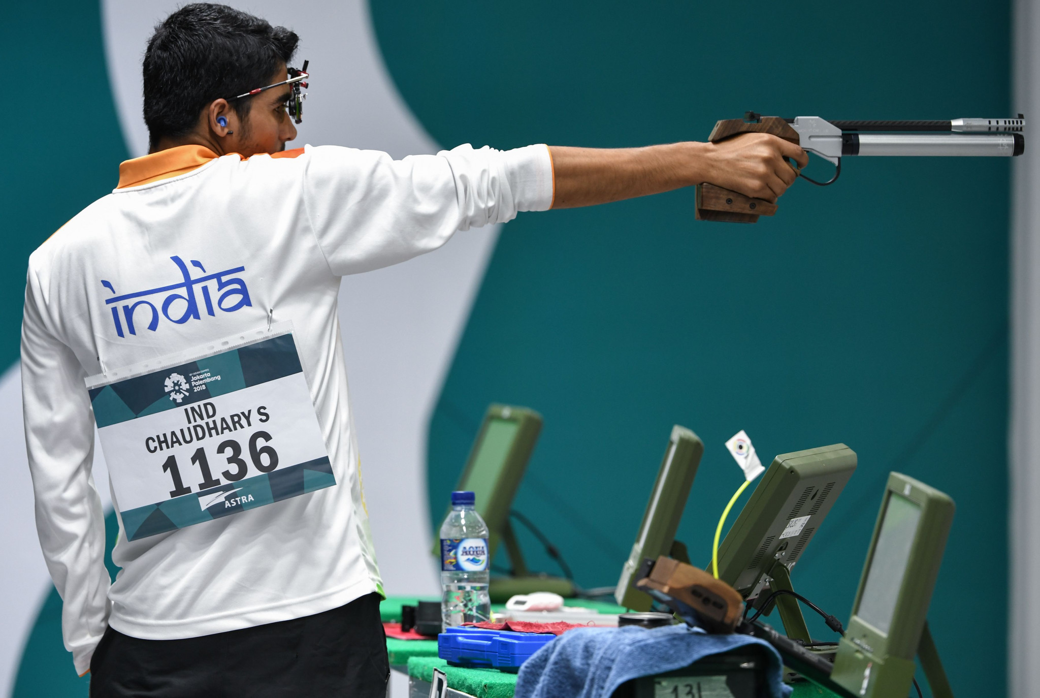 India's Saurabh Chaudhary won silver behind the North Korean ©Getty Images