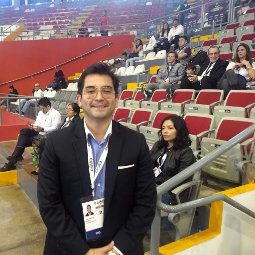Renzo Manyari, President of the Peruvian Weightlifting Federation, oversaw the event ©ITG