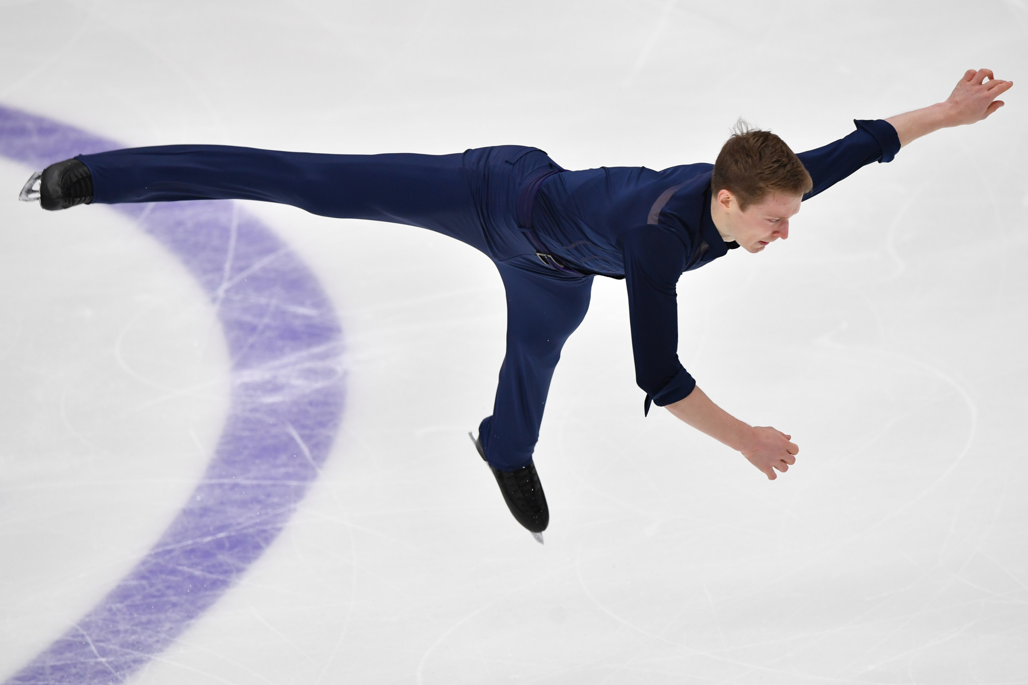 Russia's Alexander Samarin performs his routine in the men's short programme at the Rostelecom Cup 2019 ©Getty Images