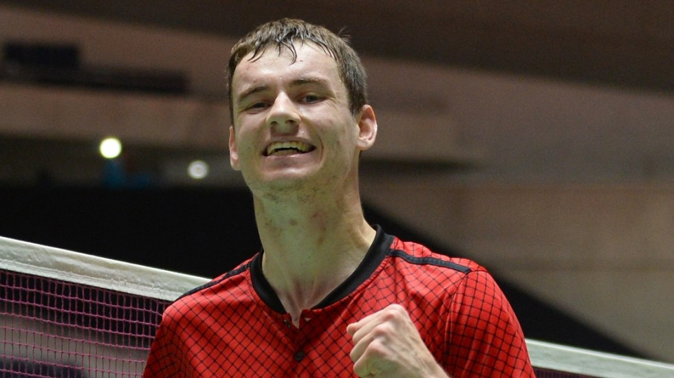 England's Daniel Bethell overcame Indian rival Pramod Bhagat to win the men's standing lower three title ©BWF