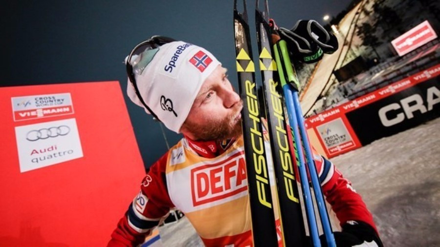Martin Johnsrud Sundby continued his winning run with victory in the 10km men's race ©FIS