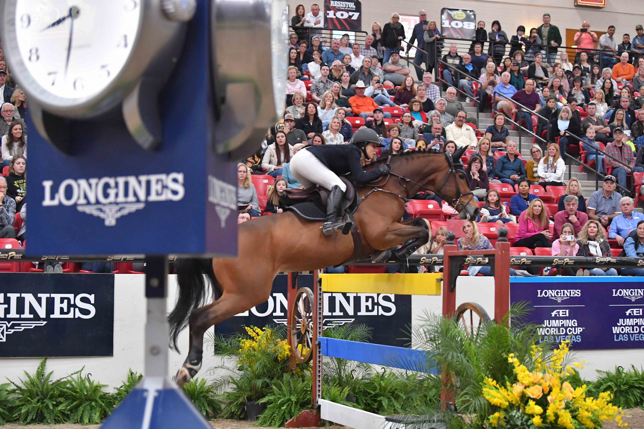 Sternlicht records second straight FEI Jumping World Cup win with Las Vegas victory