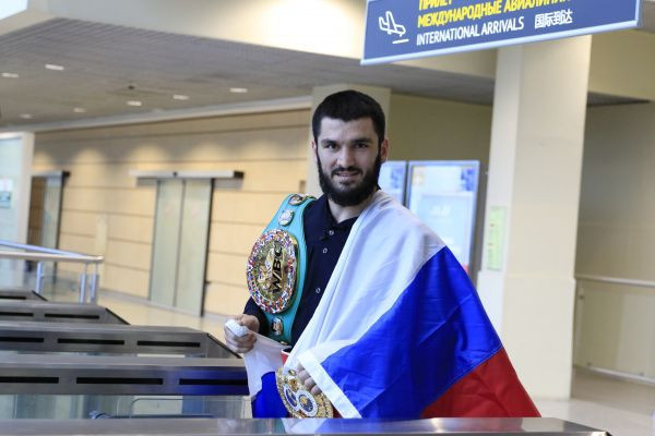 World champion Beterbiev praises high level of competition at Russian Boxing Championship