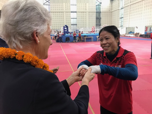 It was amazing to see boxer Mary Kom training with future stars ©CGF