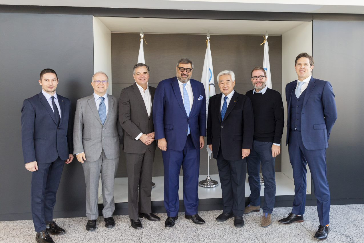 World Taekwondo President visits Olympic Broadcasting Services HQ in Madrid