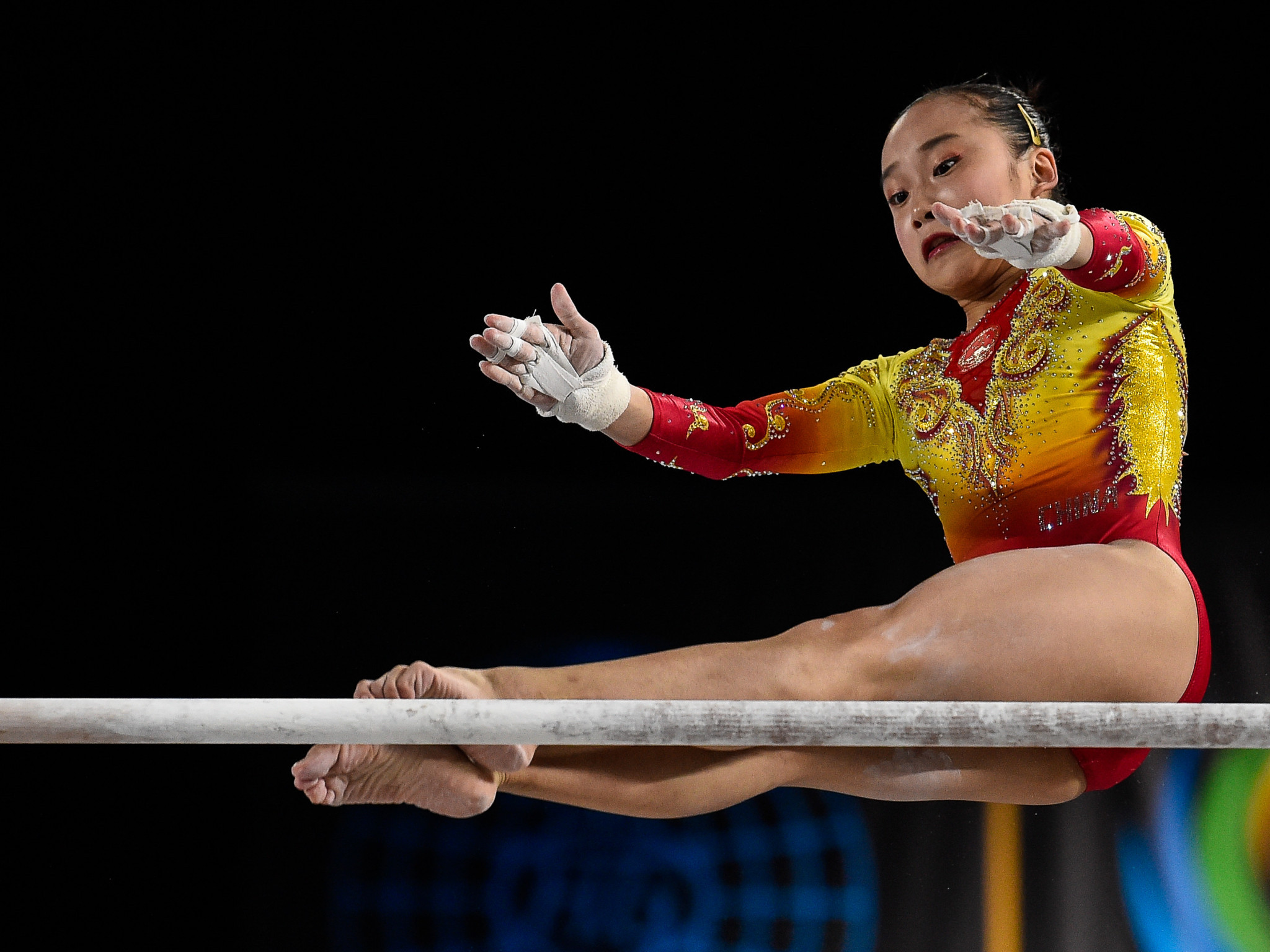 Four golds for China on first day of finals at FIG Apparatus World Cup