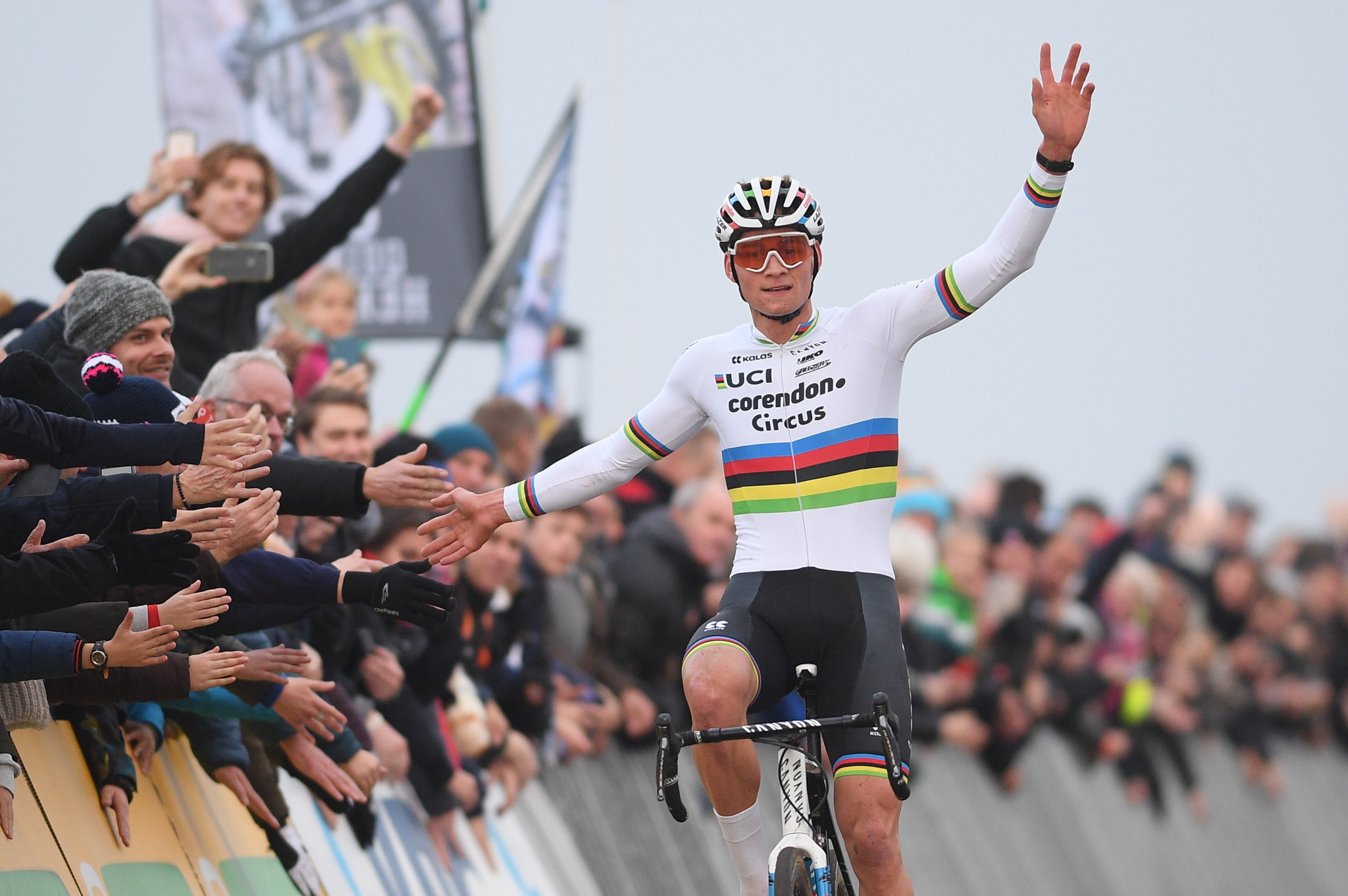 Van der Poel achieves hat-trick of UCI Cyclo-cross World Cup wins in Koksijde