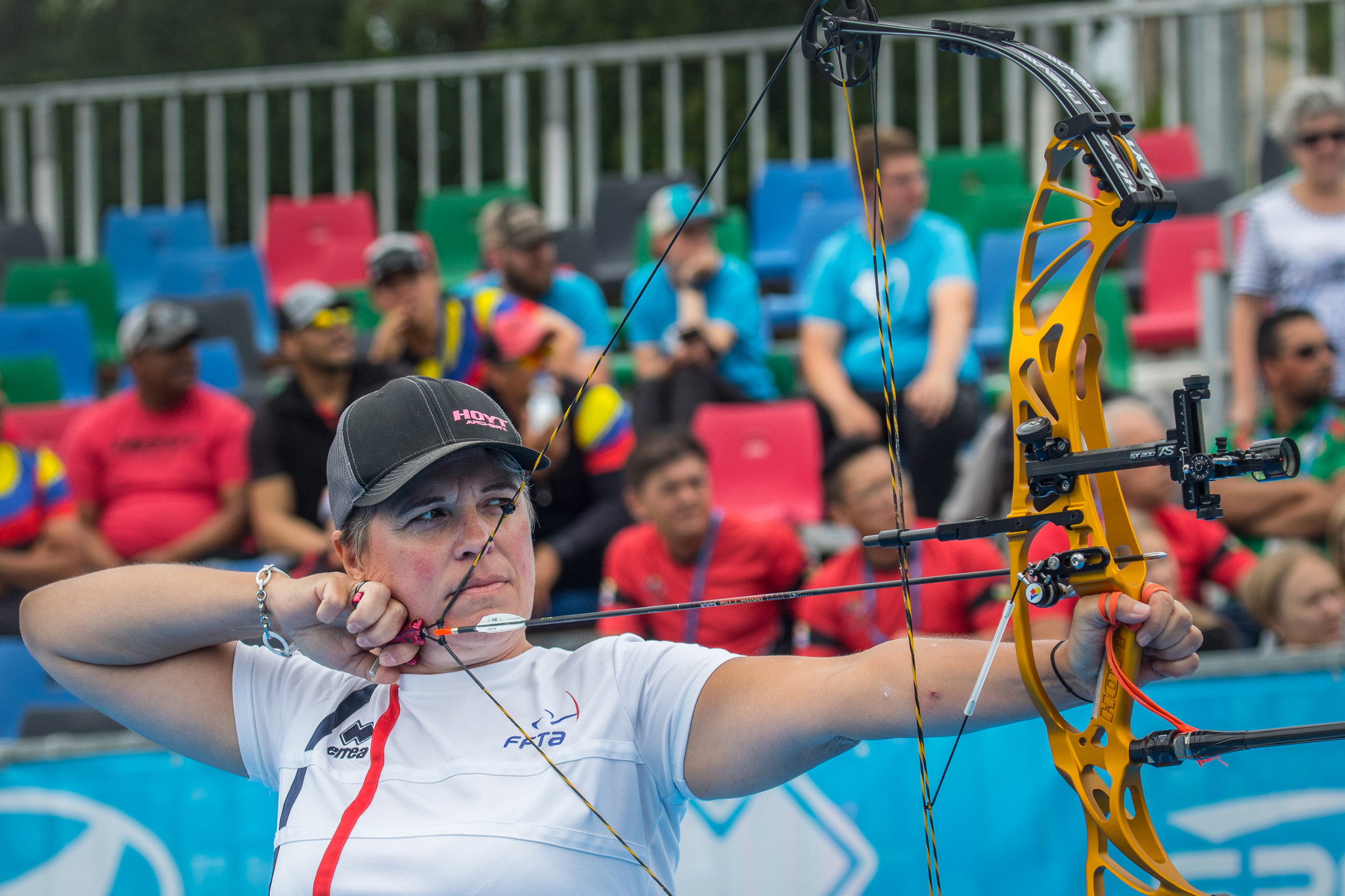 Dodemont and Schloesser win compound titles at World Archery Indoor Series in Luxembourg