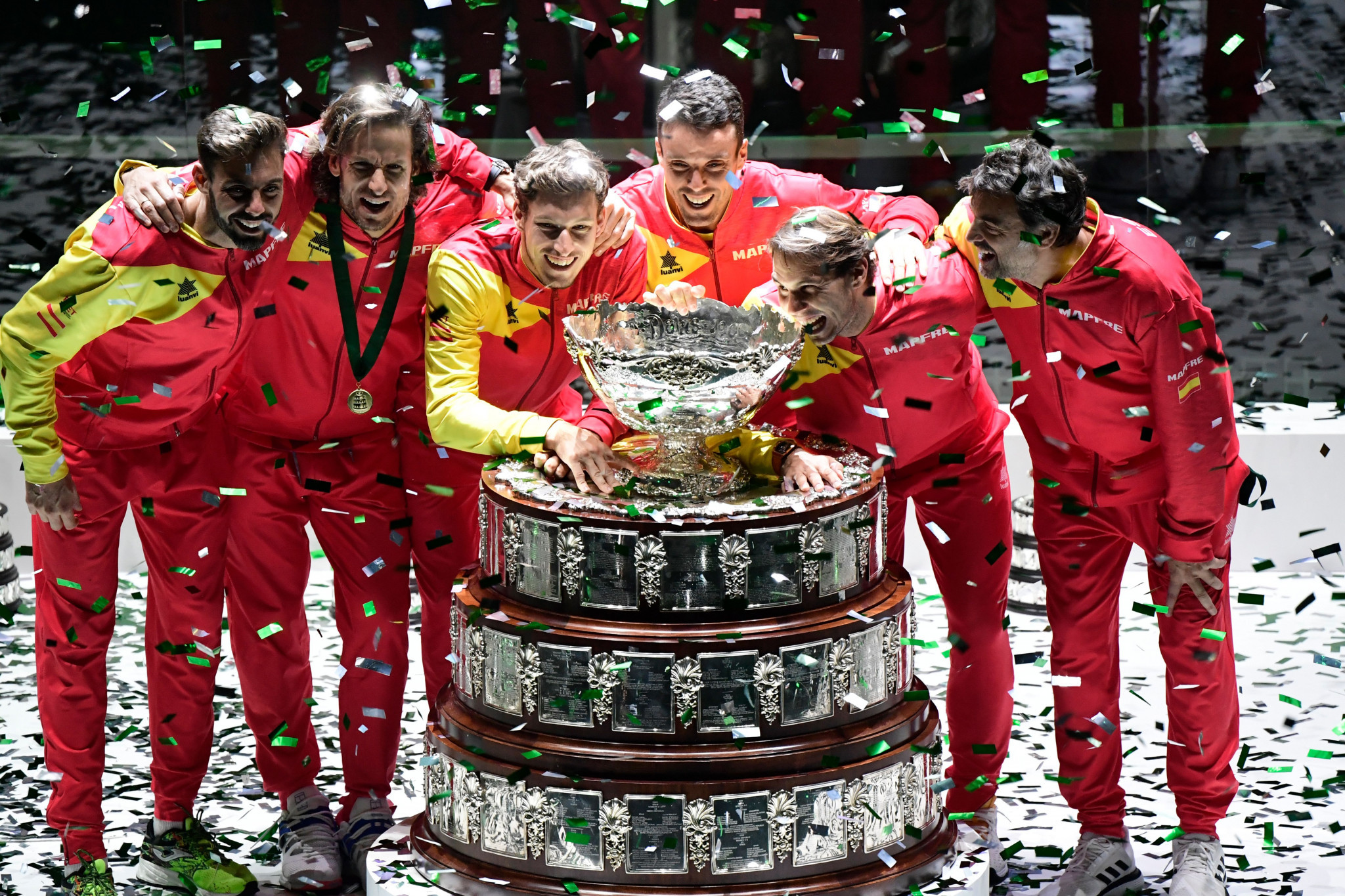 Nadal leads Spain to sixth Davis Cup title