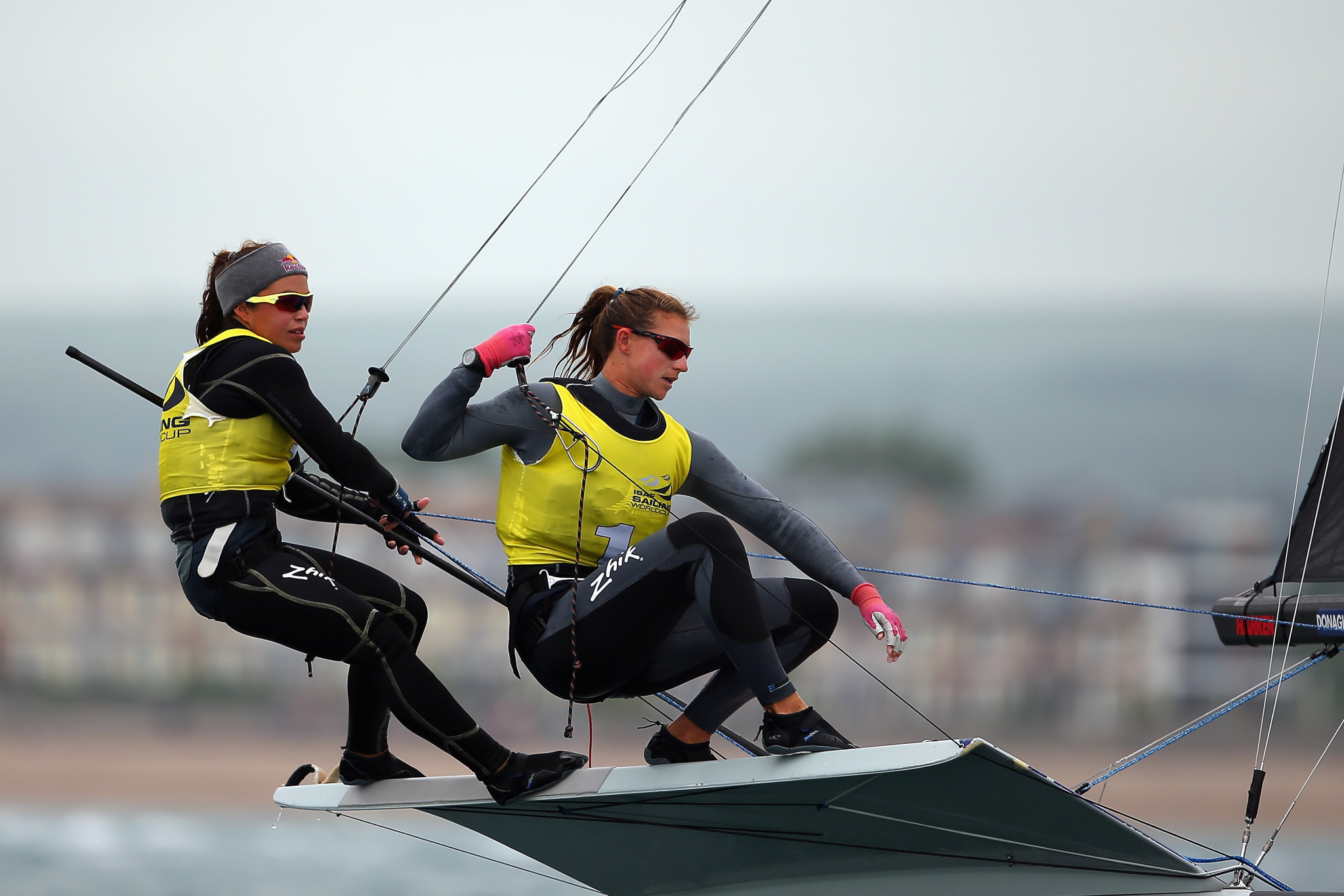 Maloney and Meech clinch home win at 49er, 49erFX and Nacra 17 Oceania Championships