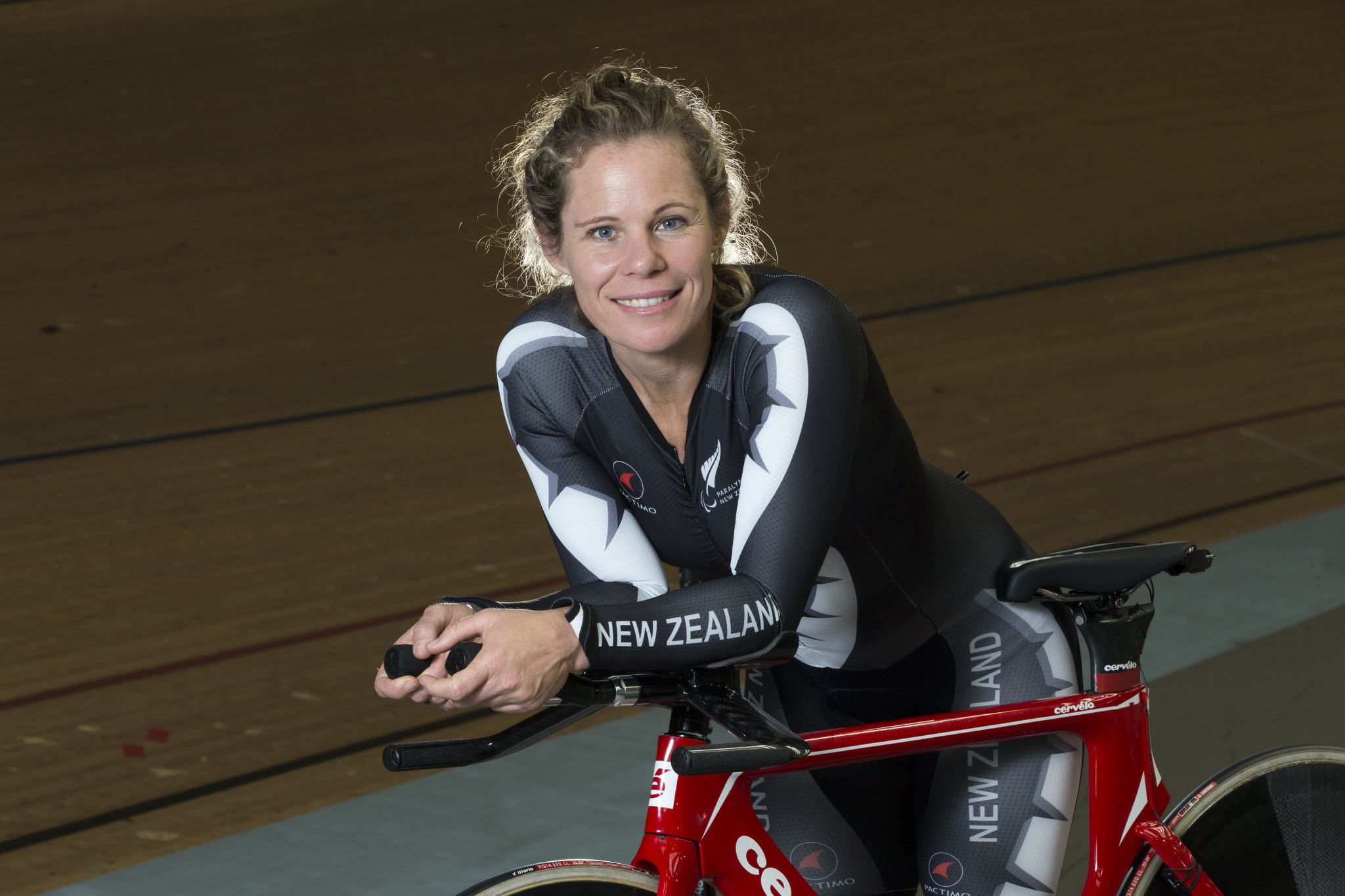New Zealand Paralympic medallist announces retirement from cycling