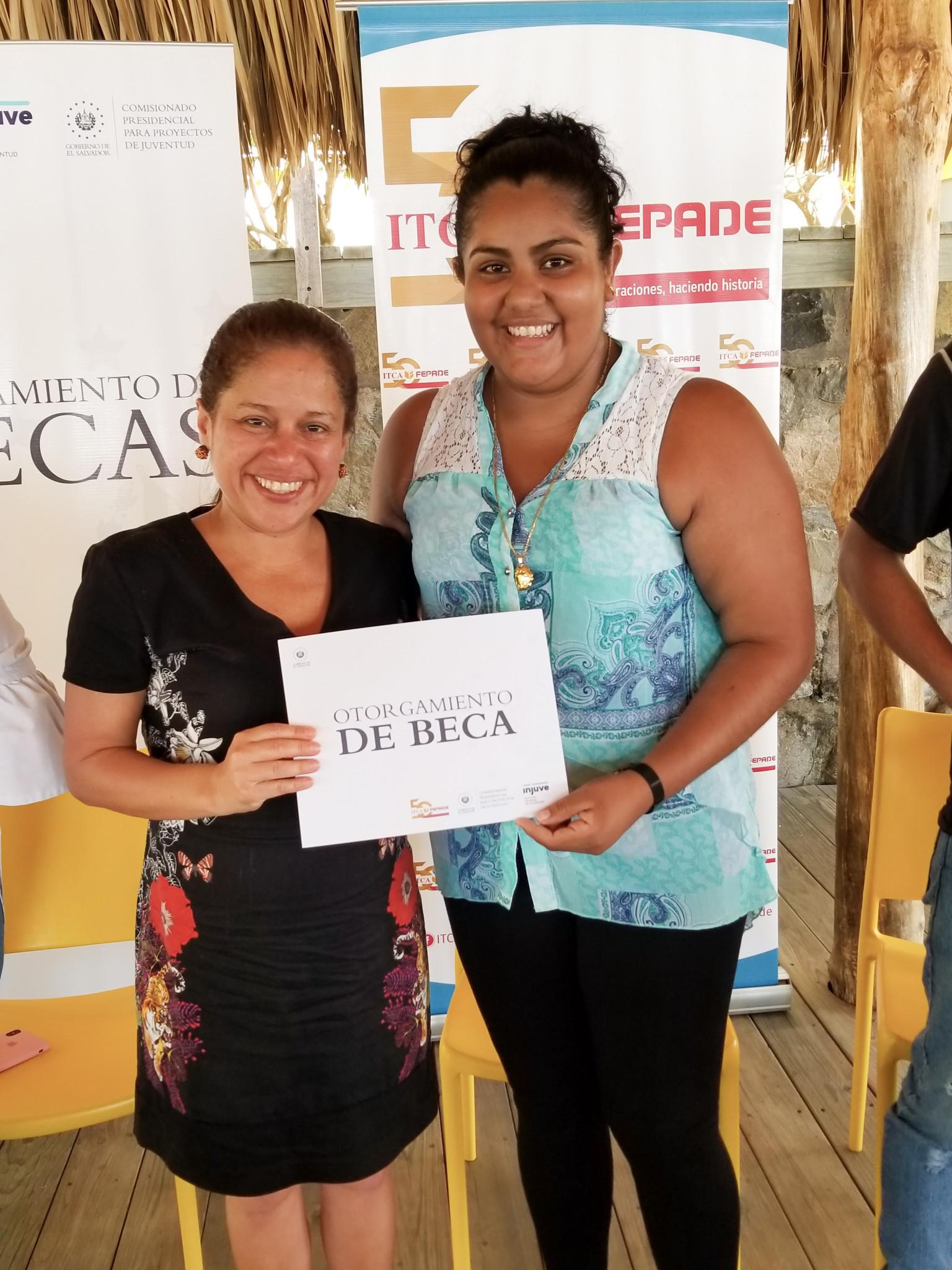El Salvador's Minister for Tourism Morena Valdez, left, sees a bright future for her country after the ISA Championship ©El Salvador Ministry of Tourism