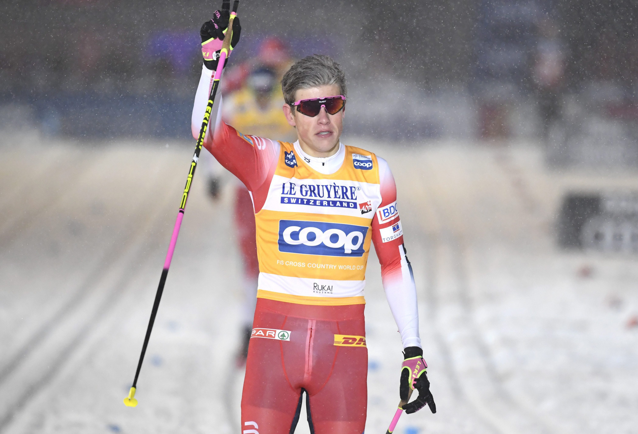 Defending champion Klæbo wins season opener at FIS Cross-Country World Cup
