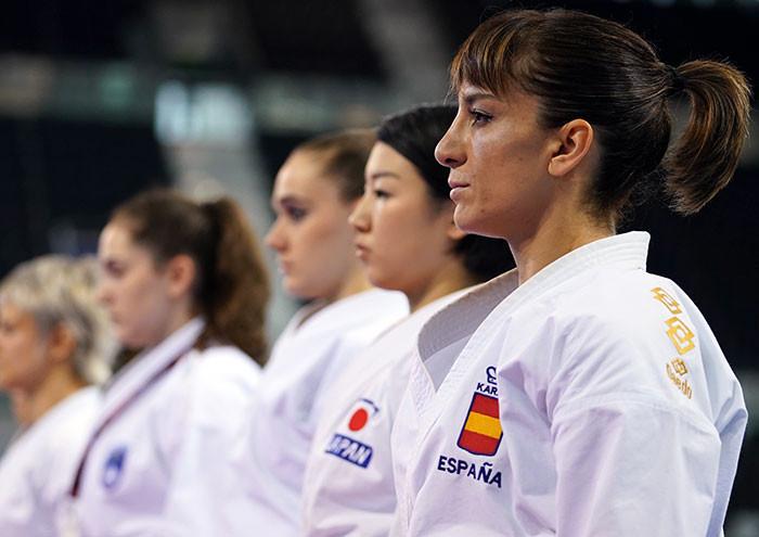La championne du monde Sandra Sanchez et la Japonaise Kiyou Shimizu disputeront la finale du kata féminin © WKF